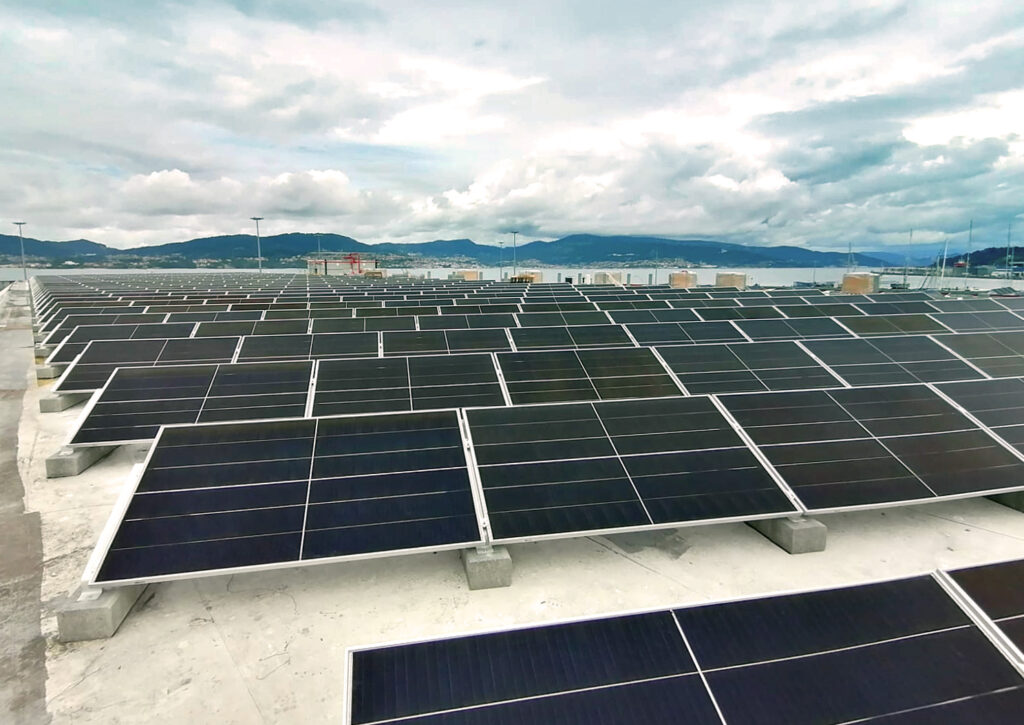 Nous réduisons nos émissions de CO2 grâce à l'installation de plus de 1200panneaux solaires